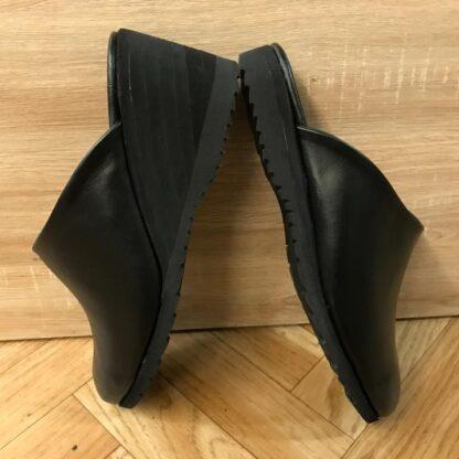 Saboti piele - Un picior mai scurt Dp2